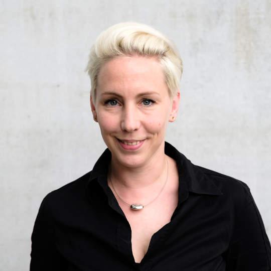 Porträtfoto Pia Löffler