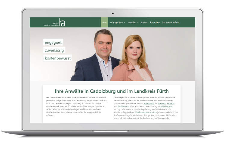 Screenshot Laptop Kanzleiwebsite hausel rechtsanwälte